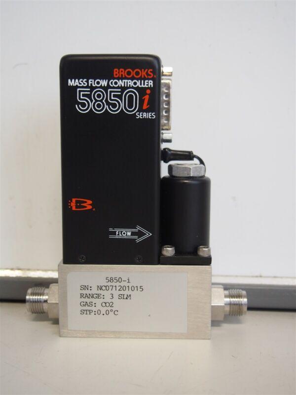 Brooks 5850i Mass Flow Controller CO2