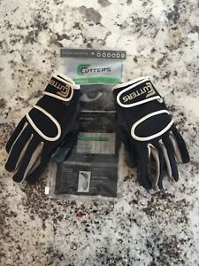Cutters gloves  and warmer