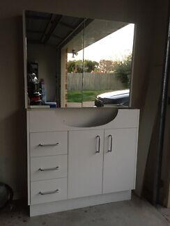 Bathroom vanity and shaving cabinet Brassall Ipswich City Preview