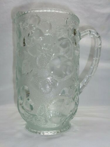 VTG HEAVY EMBOSSED FRUIT GLASS PITCHER WATER TEA DRINK BEER KITCHEN BAR CARAFE