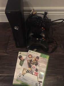 Xbox 360, 2 controllers, 2 games