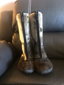 Seal Skin Boots size 10 (41)