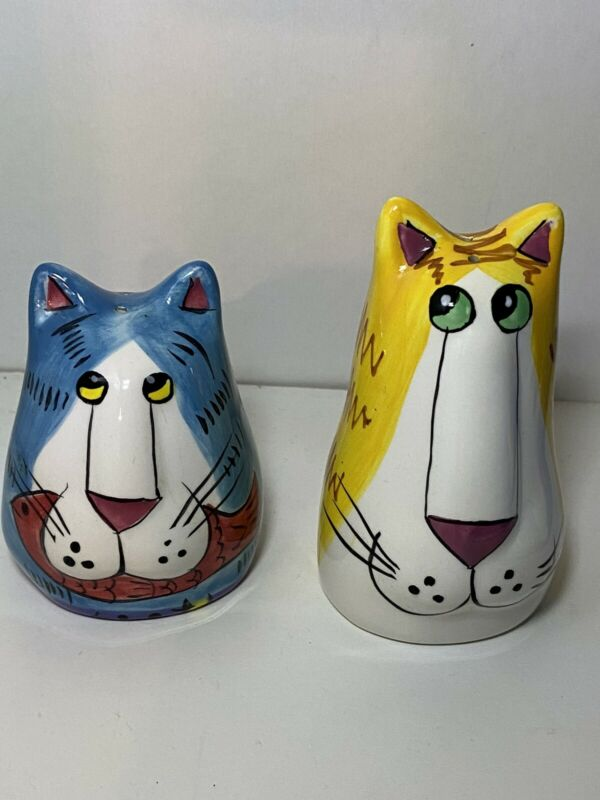 CatZilla Salt and Pepper Shaker Set. Yellow & Blue Cats.  No Box, Lightly Used.