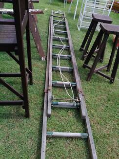 Large long extendable  ladder