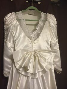 WEDDING DRESS SIZE 14-16  Windsor Region Ontario image 4