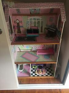 Dolls house Waratah West Newcastle Area Preview