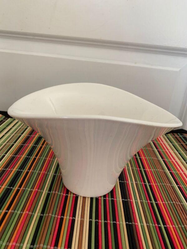 MCM Miramar of California #933 Ceramic Basket/Planter Mint Condition
