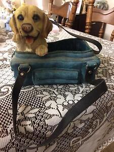 Dog in handbag planter pot Huntfield Heights Morphett Vale Area Preview