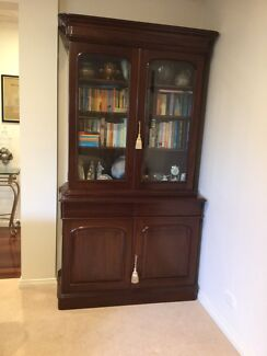 Victorian Mahogany Bookcase (Reproduction)