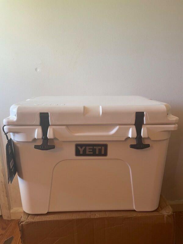 Yeti Tundra 35 Hard Cooler - White
