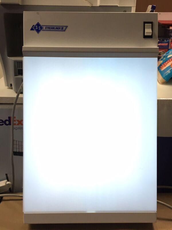 S & S X-Ray Products 143001 X-Ray Film Illuminator Streamliner III Works Great!