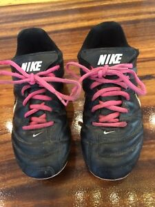 Nike Soccer cleats size 2.5 - good condition