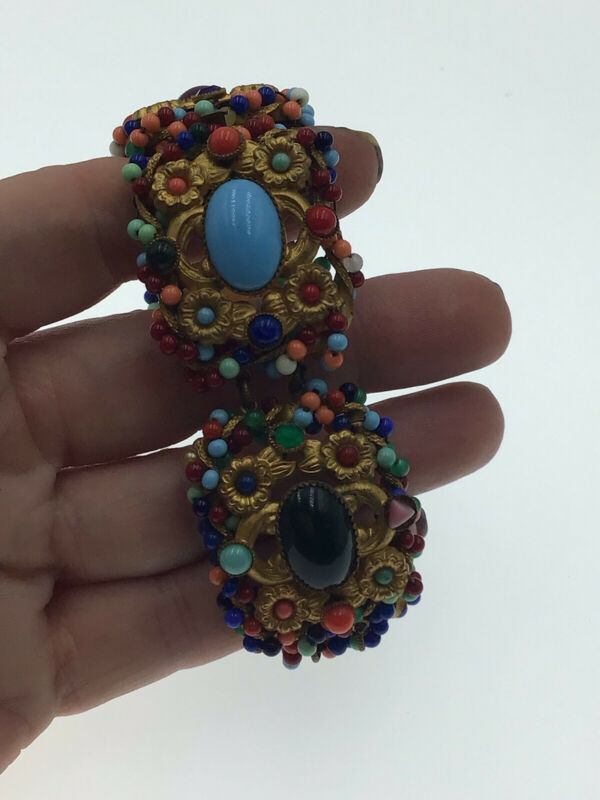 Rare Vintage Stunning Detailed Czech Multi Coloured  Glass Bead Bracelet