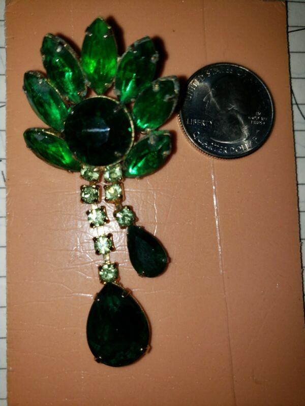 Vtg multi size  Green  Rhinestones Teardrop Dangling Gold Tone Pin  One Owner!
