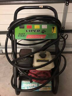 Pressure Washer- 2500PSI, petrol engine driven for sale