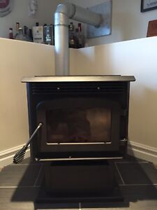 Drolet Eco 35 Pellet Stove/Extra Pipe/Pellets