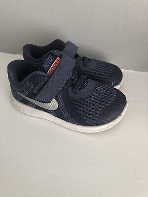 Nike Infant Boys Navy Trainers Size 6.5