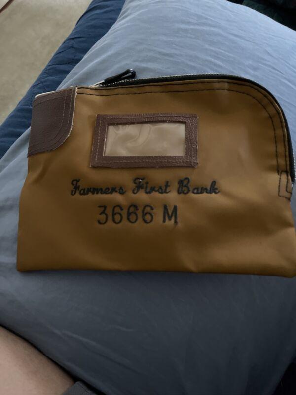 Rifkin Arco 7 Lock Chase Bank Deposit Safety Secure Bag with 2 Keys