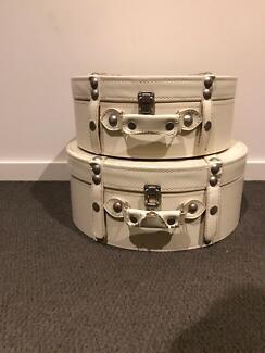 Decorative luggage piece