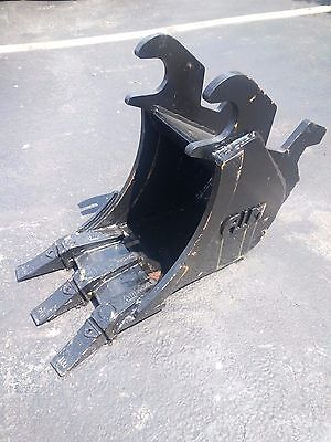 New 12 Excavator Bucket For A John Deere 110tlb Zts With Zts Coupler