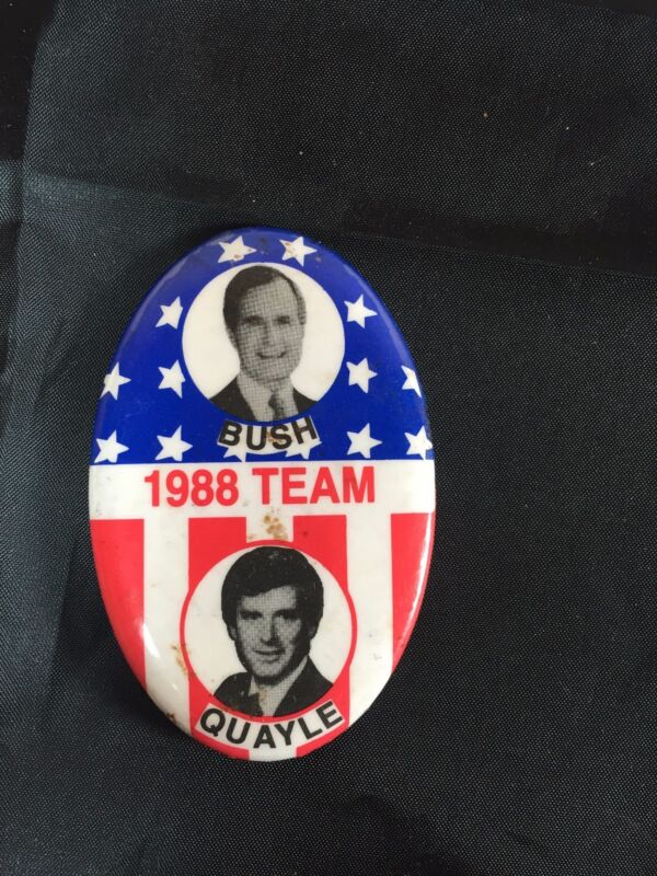 Vintage 1988 George Bush Dan Quayle Presidential Candidate Oval Button