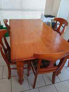 Solid timber dining table Rosemeadow Campbelltown Area Preview