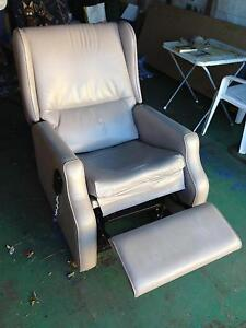 Smokey Dawson Electric Lift chair Nowra Nowra-Bomaderry Preview