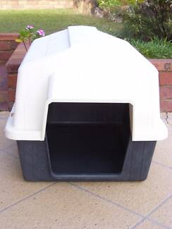 PET MATE DOG KENNEL SUITABLE FOR MEDIUM OR SMALL DOG Caboolture Caboolture Area Preview
