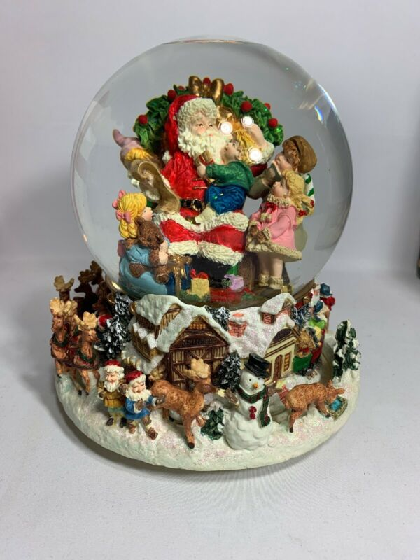 TESTED-KIRKLAND SIGNATURE MUSICAL WATER SNOW Globe With Revolving Base In Box