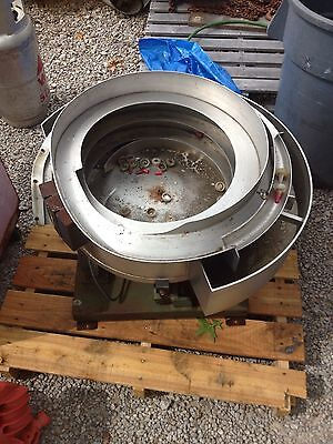 Industrial Feeding Systems Vibratory Parts Feeder Bottle Cap Feeding Machine