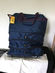 Dark blue duffle bag