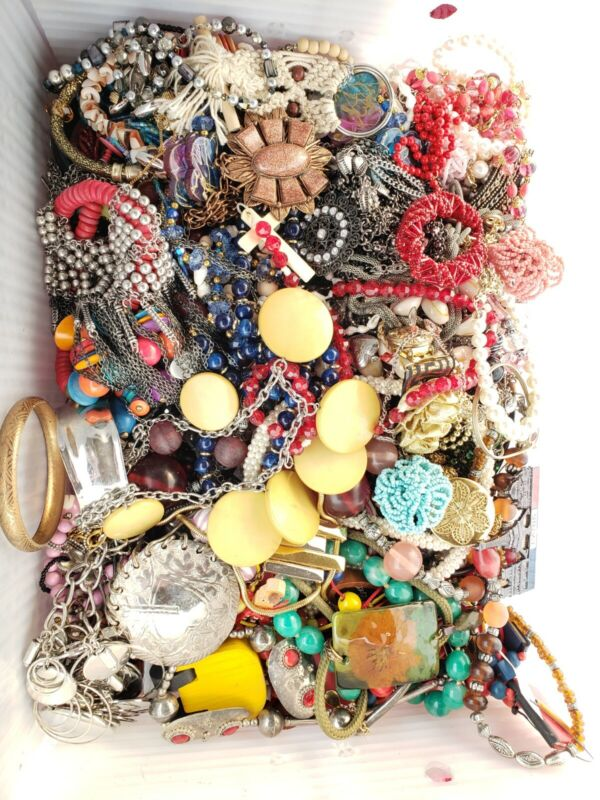 Lot Necklaces Bracelet rings beads lia Sophia chico
