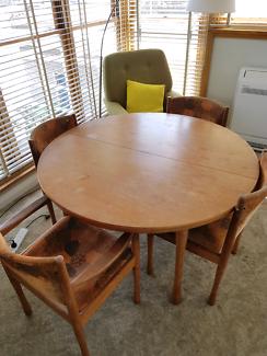Round Table In Hobart Region TAS