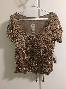 Women's tops $10/each size small