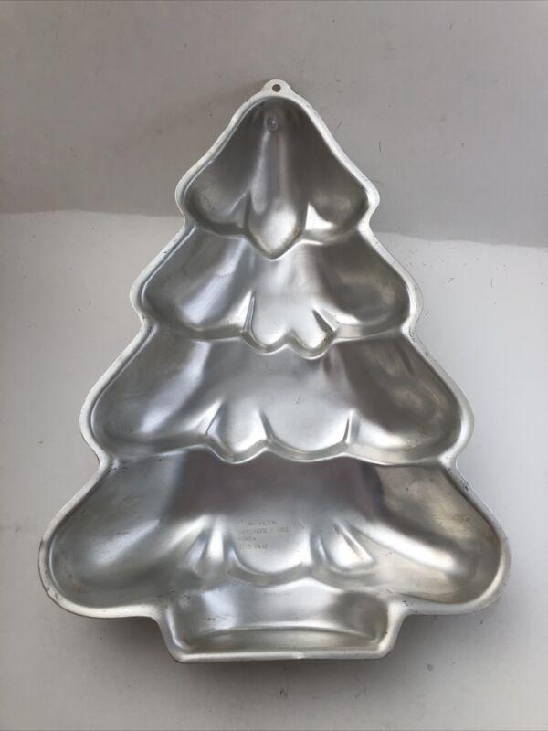 "Vintage Wilton Aluminum Holiday Christmas Tree Cake Pan Jello Mold 14"" Tall 1986"