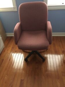 Office Chair on wheels - Moving Sale - Make an offer.