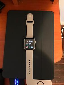 Apple Watch Edition-White Ceramic 42mm -Top of the Line! Campbelltown Campbelltown Area Preview
