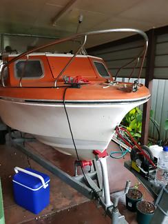 5 meters boat $3000