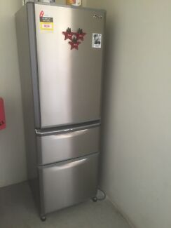Refrigerator and washing machine for sale Harris Park Parramatta Area Preview