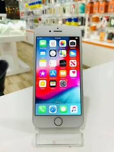 APPLE iPhone 8 64GB SILVER IN GREAT CONDITION
