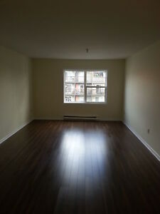 BEAUTIFUL 2 BEDROOM IN CENTRAL HALIFAX FOR JUNE 1ST