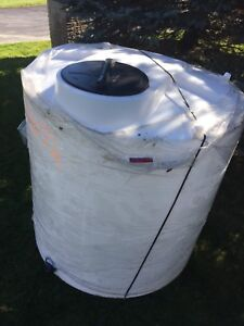 Water storage tank 2000 litres