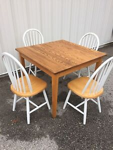 Wood dining/ kitchen table