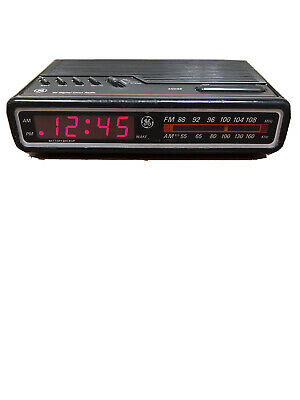 GE Digital Alarm Clock Radio AM/FM Model  7-4612 BKA Vintage 80's TESTED