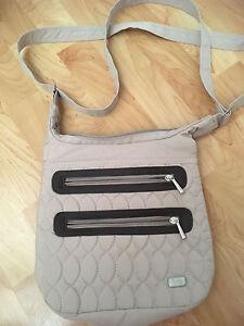 Lug side saddle bag