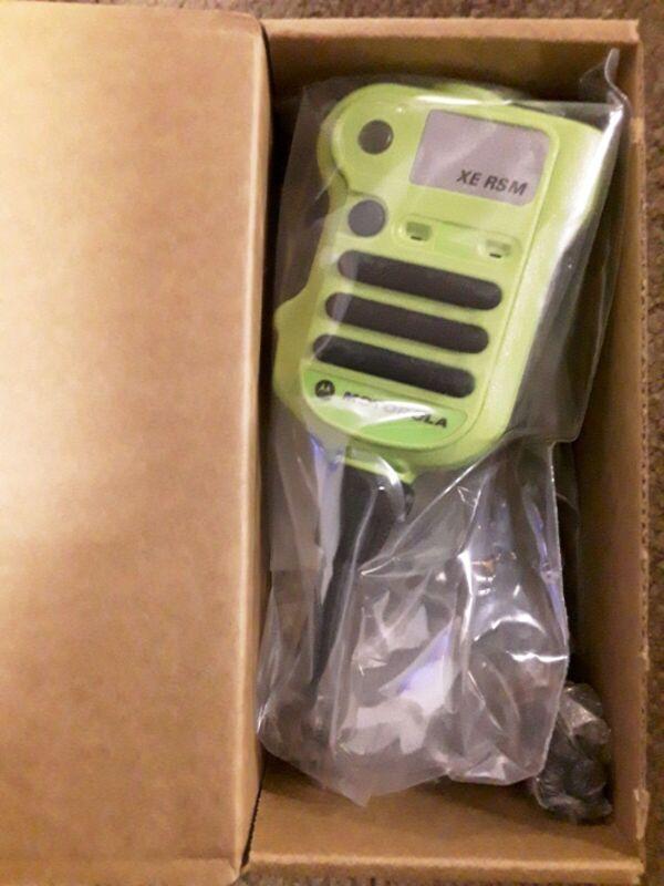 Motorola NNTN8575A Xtreme High Temperature Green Speaker Mic NIB