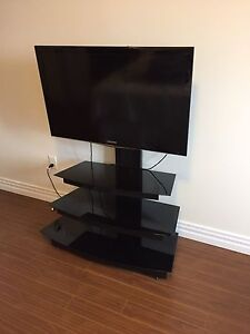 40 inch LED Samsung tv and Glass stand