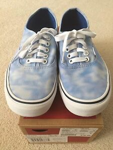 Like New Women's VANS Shoes Size 9
