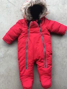 Snowsuit 6-12 months