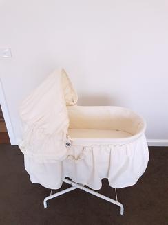 Bebe fina bassinet by kidsline